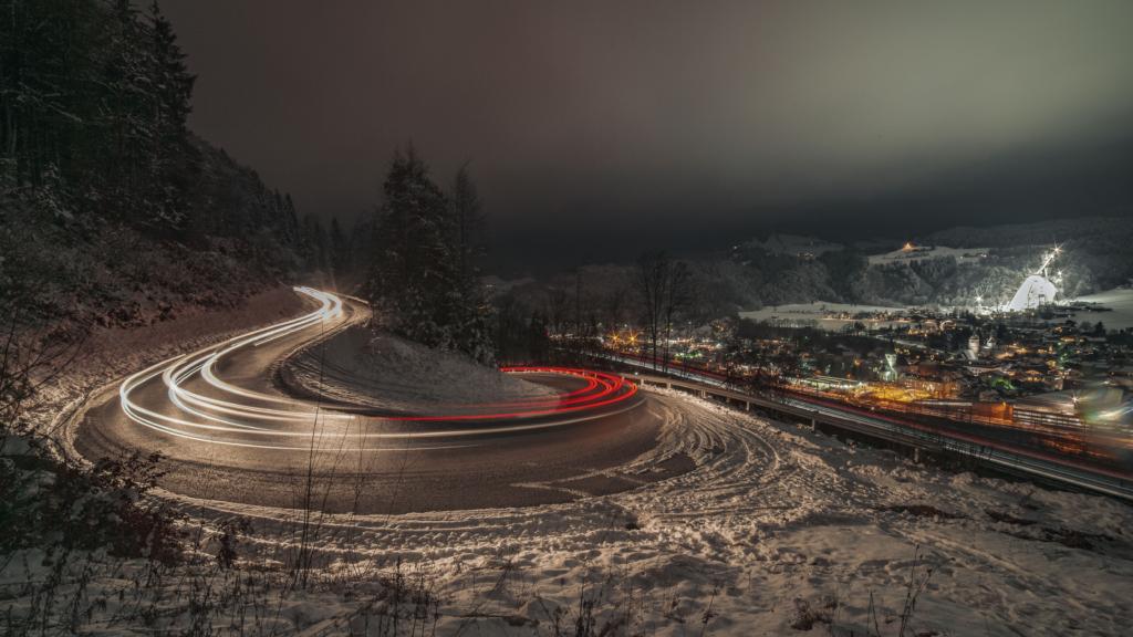 Nachtaufnahme, light trail, Bischofshofen by night, ski-jumping, Langzeitbelichtung, long exposure, Salzburg, Pongau